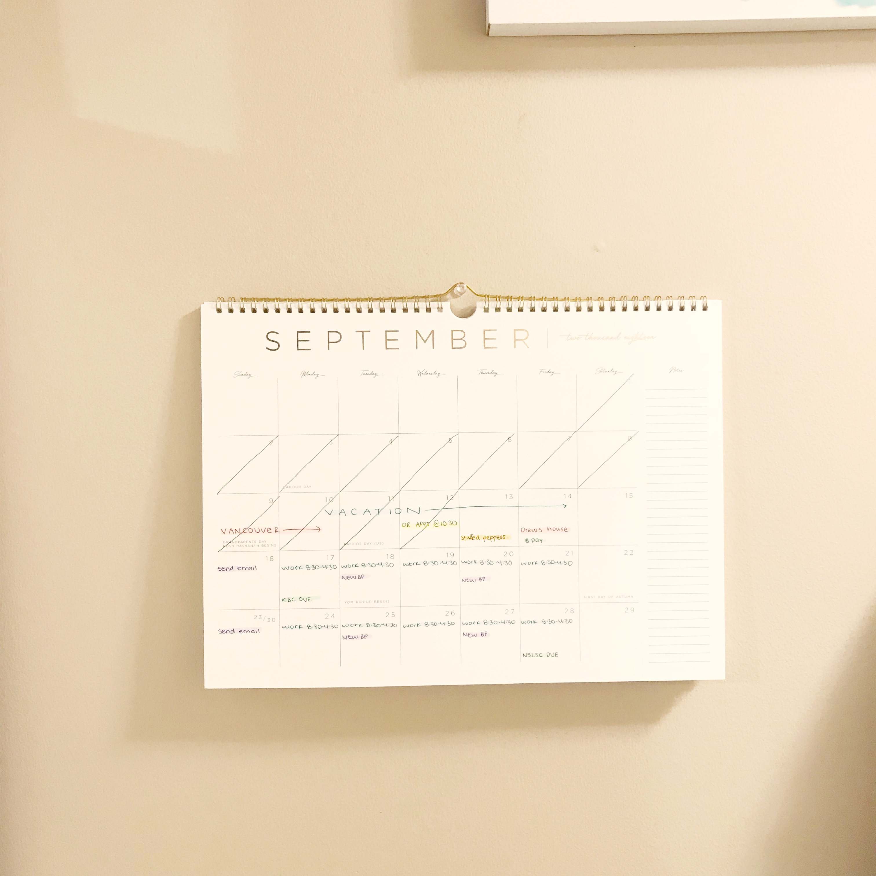 | STAY ORGANIZED USING A WALL CALENDAR | Planning tips, productivity ideas, time management tips